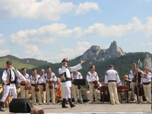 """""""Sărbătoarea Muntelui"""", un regal de muzică populară"""