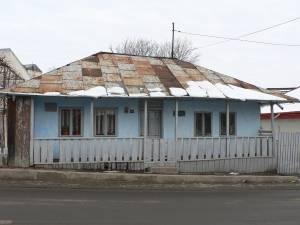 Casa despre care proprietara spune că a fost locuită de Ion Creangă nici nu exista în perioada în care scriitorul a făcut şcoală la Fălticeni