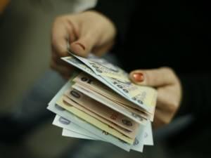 Femeia de serviciu de la CJ are un salariu de bază de 1.610 lei, mai mare decât al unui consilier sau inspector debutant, de 1.595 de lei, de la DGASPC Foto:www.antena3.ro