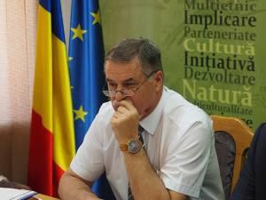 """Vicepreşedintele CJ Viorel Seredenciuc: """"Dacă doriți ca vechea conducere a CJ să doarmă liniştită acasă, lăsați-o mai uşor cu gropile de gunoi"""""""