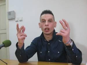 """Ovidiu Rusu, în urmă cu patru ani, în Penitenciarul Botoşani, """"spovedindu-se"""" în faţa unui reporter de la """"Monitorul de Suceava"""""""