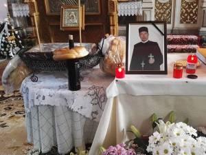 """Preotul Mihai Fădur a slujit 40 de ani la Biserica """"Sf. Dumitru"""" din Udești Foto Mihai Pantiuc"""