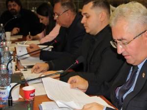 """Ion Lungu: """"Responsabilitatea asigurării căldurii și a apei calde este a primăriei și a primarului"""""""