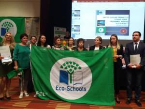 """Nouă unități școlare din țară, dintre care două din județul Suceava, au primit, pentru prima dată, titlul de """"Eco-Școală"""""""