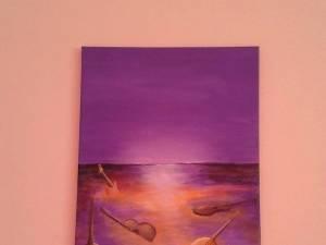 """Expoziția de pictură """"Armonia chitarelor"""", semnată de Dana Grădinaru, la Casa de Cultură Gura Humorului"""