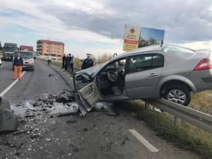 Accident cu trei răniți, după un impact violent la ieșirea din Suceava spre Botoșani