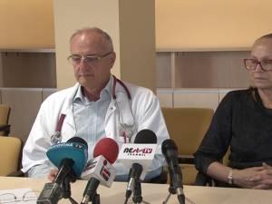 Purtătorul de cuvânt al Spitalului de Urgență, dr. Mihai Ardeleanu, și directorul medical, dr. Doina Ganea Motan