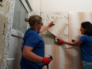Un grup de voluntari a reabilitat o parte din secția Pediatrie a Spitalului Municipal Câmpulung Moldovenesc