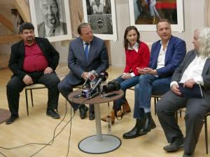 Directorul Muzeului Bucovinei, Emil Ursu, preşedintele CJ, Gheorghe Flutur, Oliver Mark și directorul Muzeului Național Liechtenstein, Rainer Vollkommer