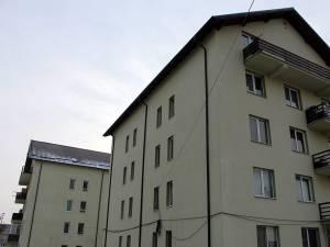 Zeci de locuinţe ANL care sunt disponibile să fie repartizate altor solicitanţi sunt refuzate pe bandă rulantă