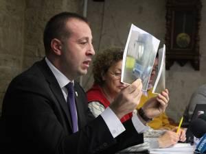 Viceprimarul Lucian Harsovschi a prezentat autobuzele second-hand cu care se dotează TPL