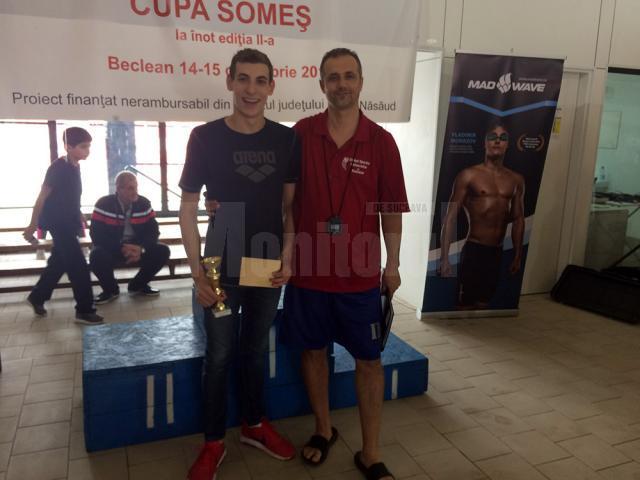 Rezultate promiţătoare pentru înotătorul Şerban Cotos, la concursurile de la Beclean şi Izvorani