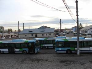 Autobuzele aduse de TPL din Franța au dotări mult mai bune și mult mai puțini kilometri parcurși decât cele din parcul auto actual