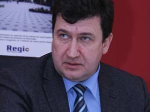 Gabriel Şerban, fost primar al municipiului Câmpulung Moldovenesc în perioada 2004-2012, a fost trimis în judecată de procurorii Direcţiei Naţionale Anticorupţie, Serviciul Teritorial Suceava