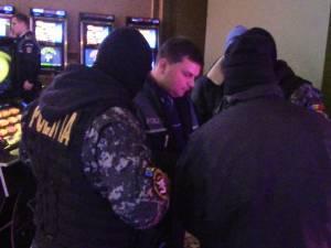 Razie de amploare în baruri, discoteci şi săli de jocuri de noroc