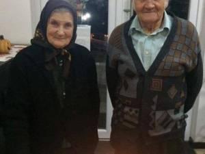 O familie din Vicovu de Sus a sărbătorit 60 de ani de la căsătorie