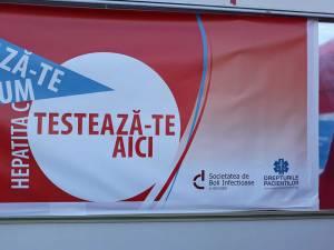 Teste rapide din salivă pentru depistarea hepatitei C, astăzi, în parcul de lângă Policlinica Areni