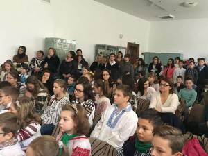 """""""La taifas cu Badea Ioan Bucovineanul"""", acţiune organizată de elevii Şcolii ,,Bogdan Vodă"""" Câmpulung Moldovenesc"""