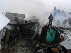 Incendiul de la Clit a distrus mai multe anexe ale gospodăriei