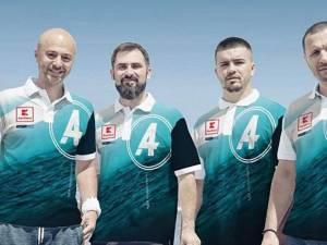 Echipa atlantic4 cu Vasile Oșean, al doilea de la stânga la dreapta