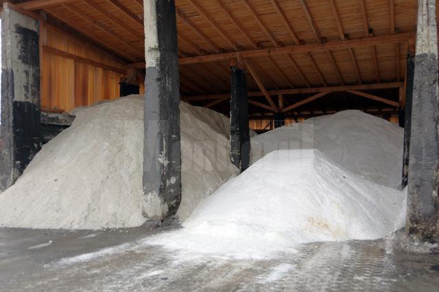 Stocul de material antiderapant pregătit pentru primele luni de iarnă