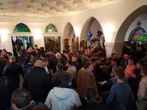 Peste 400 de agenți economici s-au înscris la licitația de masă lemnoasă organizată la sediul Direcției Silvice Suceava