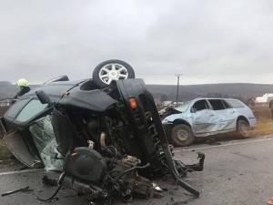 Cele două maşini implicate în accidentul deosebit de violent
