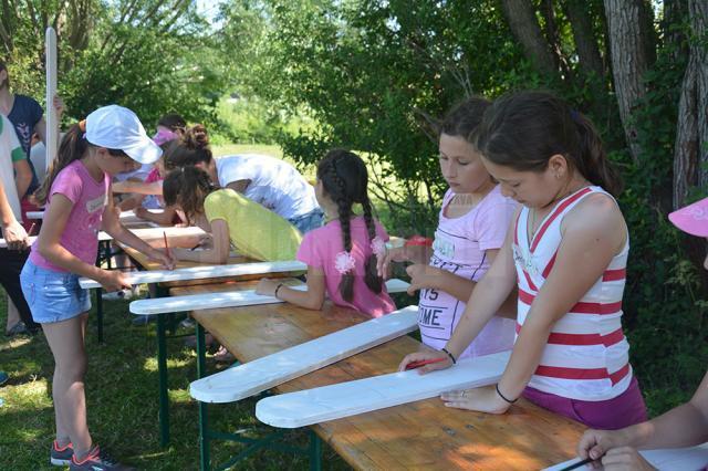 Activități cu copiii de la Siret