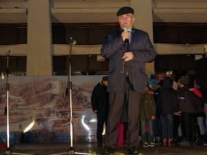 Primarul Ion Lungu l-a chemat pe  Moș Crăciun să împartă miile de cadouri