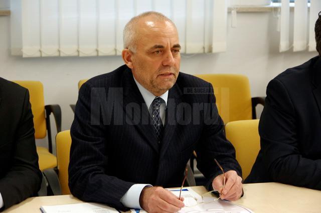 Vasile Rîmbu, economistul căruia i se datorează metamorfoza Spitalului Judeţean Suceava