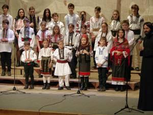 Concert de colinde cu sală plină și aplauze îndelungi, la Casa de Cultură a Sindicatelor Suceava