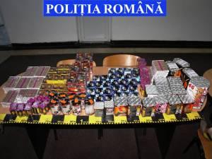 Petardele şi artificiile vândute ilegal au fost confiscate