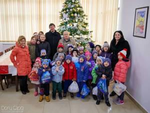 Cadouri cu dulci oferite de administrația rădăuțeană copiilor din municipiu