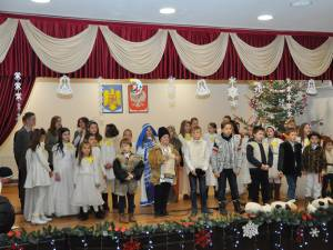"""Peste 200 de copii au participat la Soloneţu Nou, la a XV-a ediţie a Festivalului """"La ieslea Domnului"""""""