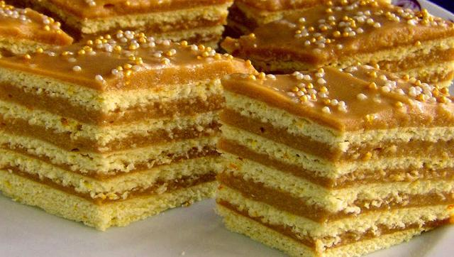 Cremă fiartă de smântână cu nuci ( rețeta bunicilor). Foto: pinterest.com