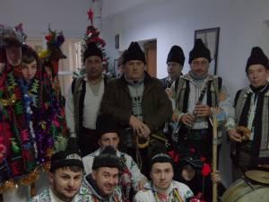 Tradiţiile sărbătorilor de iarnă, cu Formaţia lui Cucoș din Fântânele