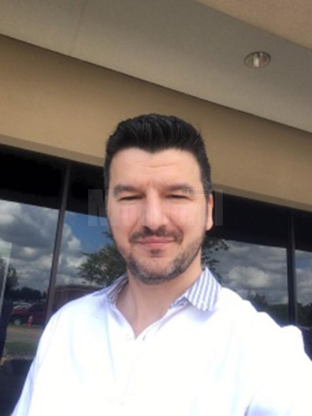 Daniel Onofrei este conferenţiar la Universitatea din Houston, Texas, din Statele Unite ale Americii