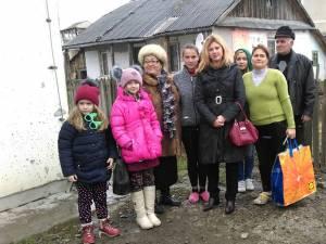 Deputatul PSD Maricela Cobuz a oferit cadouri familiilor nevoiaşe din Ițcani