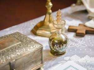 Semnificaţii ale ungerii cu Sfântul Mir la Botez