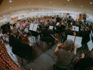 Filarmonica de Stat Botoșani și Trupa Distinto vor concerta la Iulius Mall