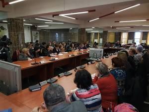 Directorii unităţilor de învățământ sucevene au fost informaţi să nu se apuce de cheltuieli neprevăzute, bugetul fiind unul de avarie