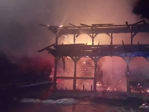 Incendiu devastator la biserica din Suha, comuna Mălini