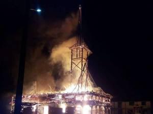 Biserica de lemn din Suha - Mălini, mistuită de flăcări Foto: Gheorghiță Leuca