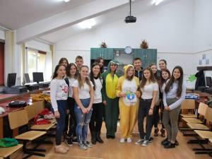 """Proiect de înfrumusețare a orașului Câmpulung al voluntarilor de la Colegiul Silvic """"Bucovina"""""""