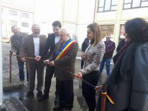 Primarul Rădăuțiului, Nistor Tătar, tăind panglica inaugurală