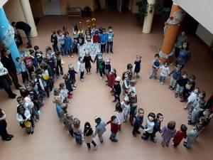 """100 de Zile petrecute împreună la Şcoala Primară """"Sfântul Ioan cel Nou de la Suceava"""""""