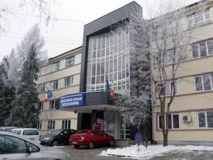 Pensionarii trebuie să primească atât acceptul CA al şcolii, cât şi pe cel al Inspectoratului Şcolar Suceava