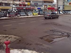 Gropi în mijlocul intersecţiei, în George Enescu