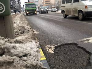 Gropi tot mai deranjante și-au făcut apariția pe străzile Sucevei