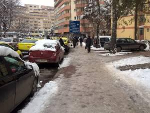 Gheața de pe trotuare a făcut noi victime
